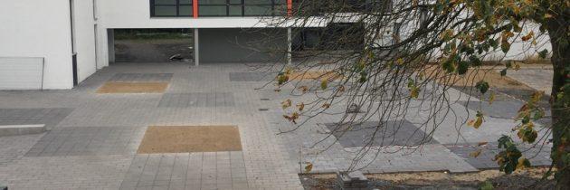 Bänke für den Schulhof